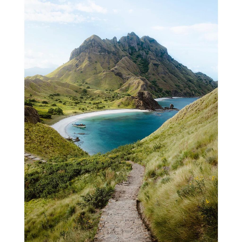How to Minimise Waste on Liveaboard Labuan Bajo Sailing Trip
