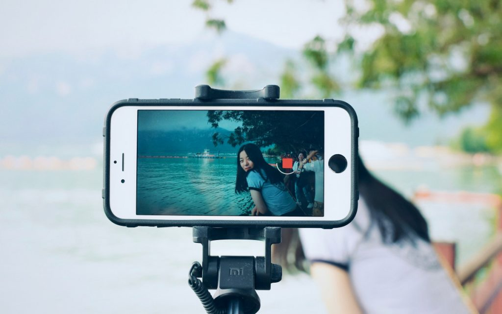 Komodo Cruise Self Journal: Selfie Stick
