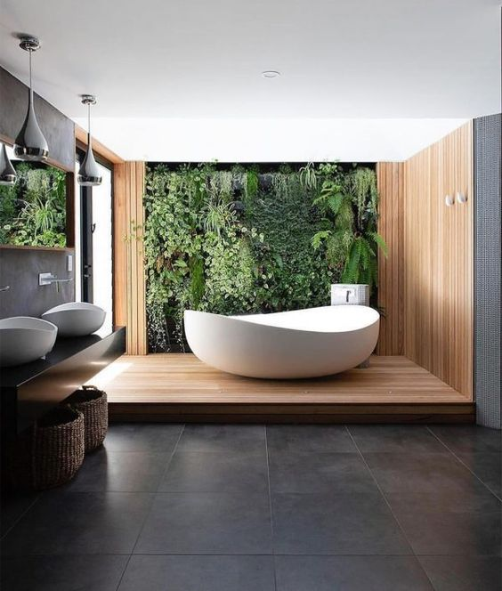 A Private Bathe Moment with Nature